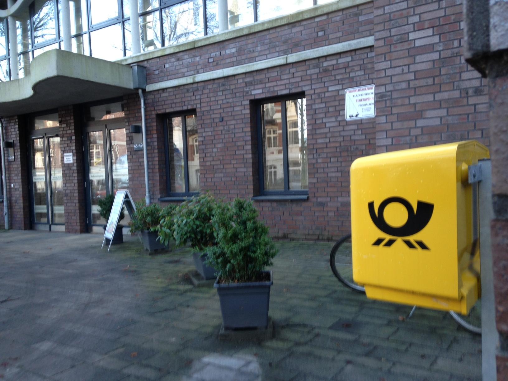 Neu im Quartier: Briefkasten und Obsthändler