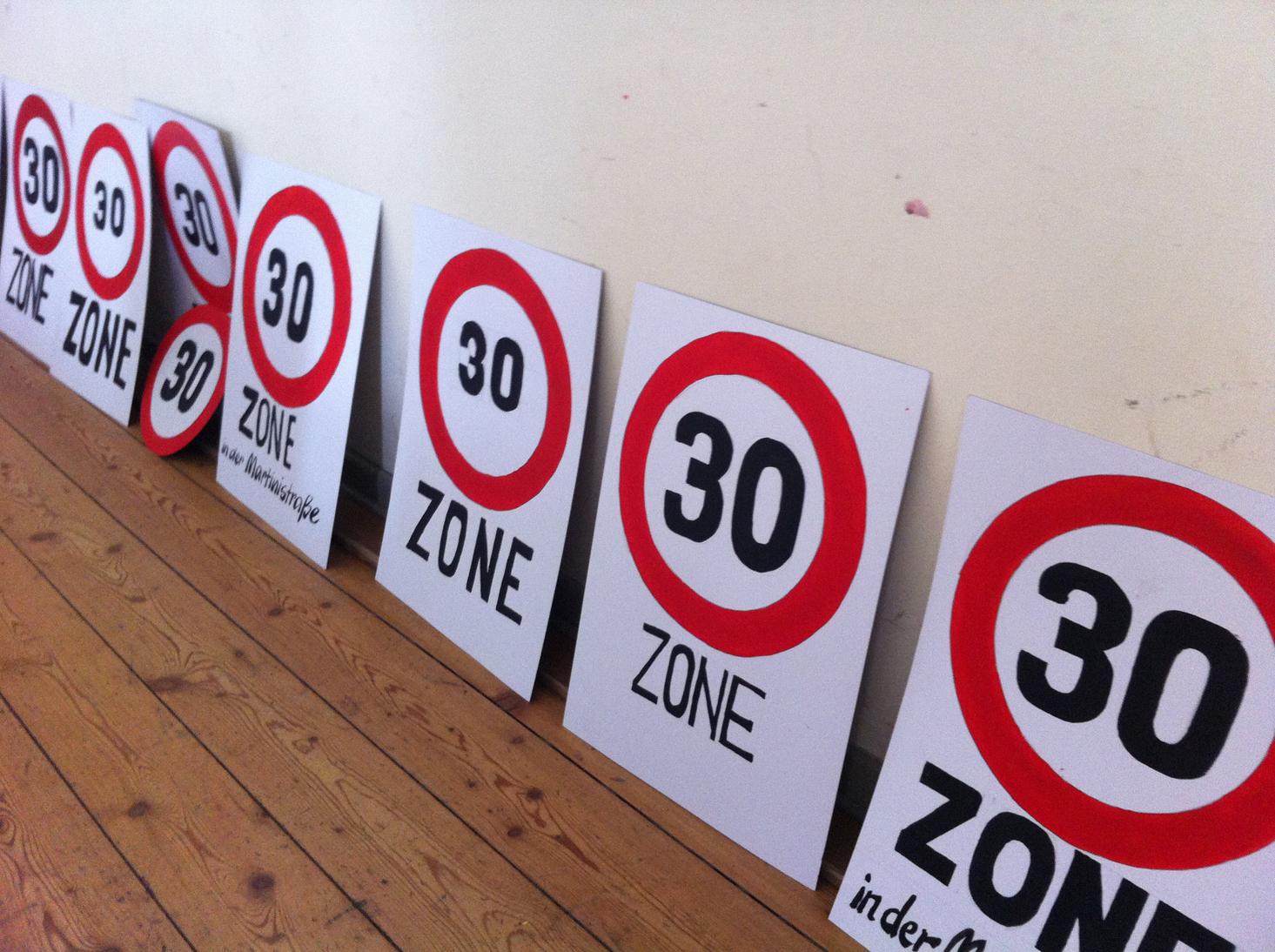 Wir fordern: Tempo 30 in der Martinistraße!